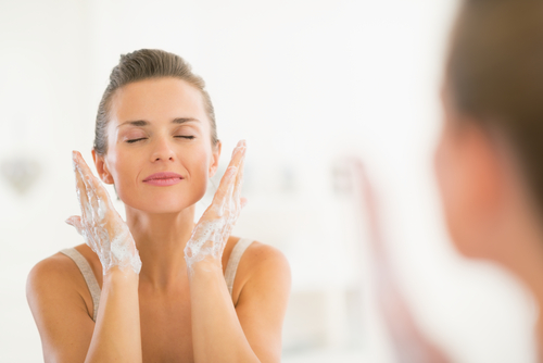 Adult Acne: Skincare and Makeup